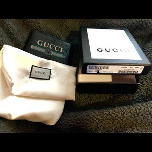 Gucci print mens wallet black color